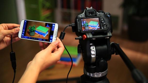 وبلاگ 2012 - چگونه دوربین عکاسی حرفهای را با گوشی یا تبلت اندروید ...برای این مسئله راه حلی بسیار خلاقانه وجود دارد. به وسیلهی یک کابل USB OTG  یا USB On The Go و یک برنامهی اندروید میتوانید به راحتی این مشکل را حل  کنید.